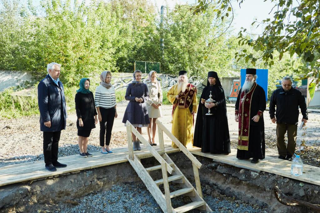 Освящение участков застройки на Воскресенской набережной