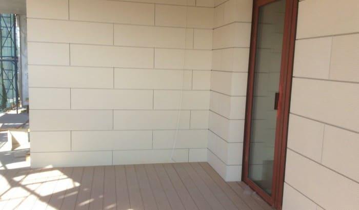 В жилом комплексе «Привилегия» начались работы по облицовке фасадов